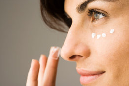 Can hyaluronic acid help fight fine lines and dehydration under the eyes